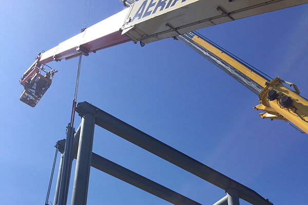 Removal of F.M.T. Triple pack Lift Cylinder in Dublin Port.